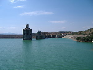 Geography of Tunisia - the Sidi Salem Dam is on the Medjerda River.