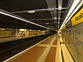 Barceloneta station platforms.jpg