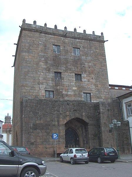 Image:Barcelos Torre da Porta Nova1366.JPG