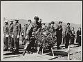 Begrafenis met militaire eer van het stoffelijk overschot van luitenant-kolonel , Bestanddeelnr 114-0066.jpg