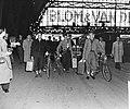 Belgische ploeg op station in Amsterdam CS, Bestanddeelnr 906-5734.jpg