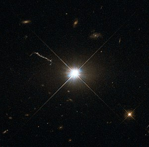 Huge-LQG - Image: Best image of bright quasar 3C 273