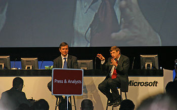 Bill Gates (a destra) al IT-Forum di Copenaghen del 2004