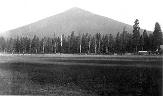 Butte - Image: Black Butte OR Russell ric 00804