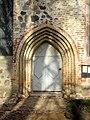 Blankenhagen Kirche Portal 2010-11-11.jpg