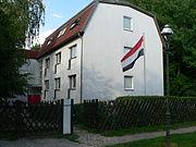 BoSa-Haus-mit-Fahne