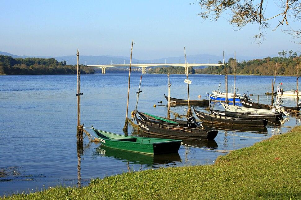 Boats in Minho river (río Miño) in Vila Nova de Cerveira, Portugal-1