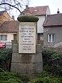 Brno, Žabovřesky, památník u kaple na Burianově náměstí.JPG