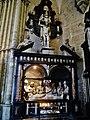 Bruxelles Co-Cathédrale St. Michel & Ste. Gudule Innen Skulpturengruppe 1.jpg