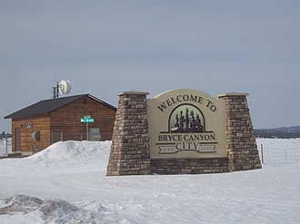 Bryce Canyon City, Utah - Bryce Canyon City welcome sign (in early spring)