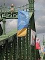 Budapest - Liberty bridge - Szabadság híd - Flag of FINA World Aquatics Championships.jpg