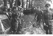 Bundesarchiv Bild 101I-300-1865-08, Frankreich, Rommel bei 21. Pz.Div.