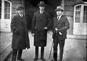 Nazi–Soviet economic relations (1934–41) - American businessmen (W. Averell Harriman in centre) in Berlin in 1925 to work with Germany to broker a deal for Soviet manganese ore