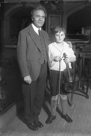 Royal Liverpool Philharmonic - Bruno Walter and the teenage prodigy Yehudi Menuhin, 1931