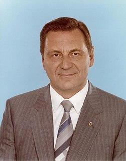 Siegfried Lorenz (politician)