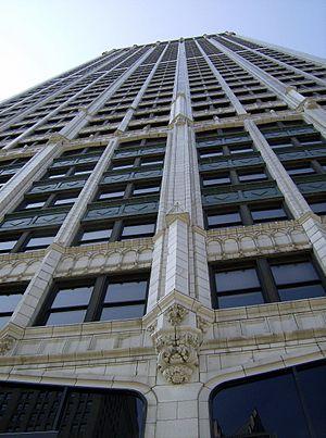 Cadillac Tower - Image: Cadillaclookingup Detroit
