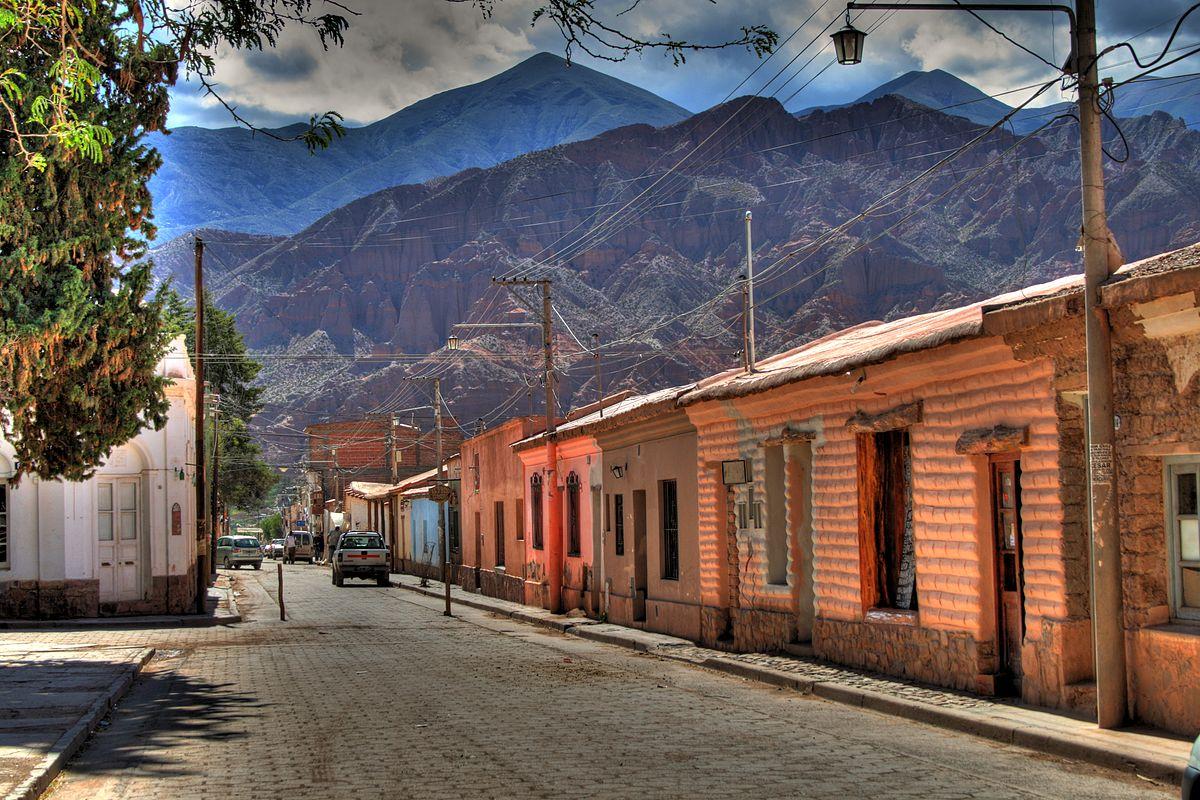 Calle Lavalle vista desde la Iglesia.