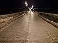 Calzada del puente romano de Mérida.jpg