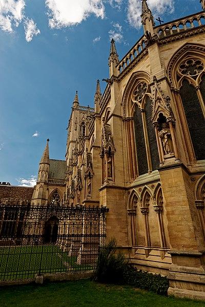 File:Cambridge - St John's Street - View WNW on St John's College Chapel 1861 by Sir George Gilbert Scott I.jpg