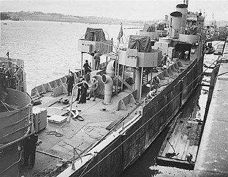HMS Campbeltown (I42) - HMS Campbeltown being converted
