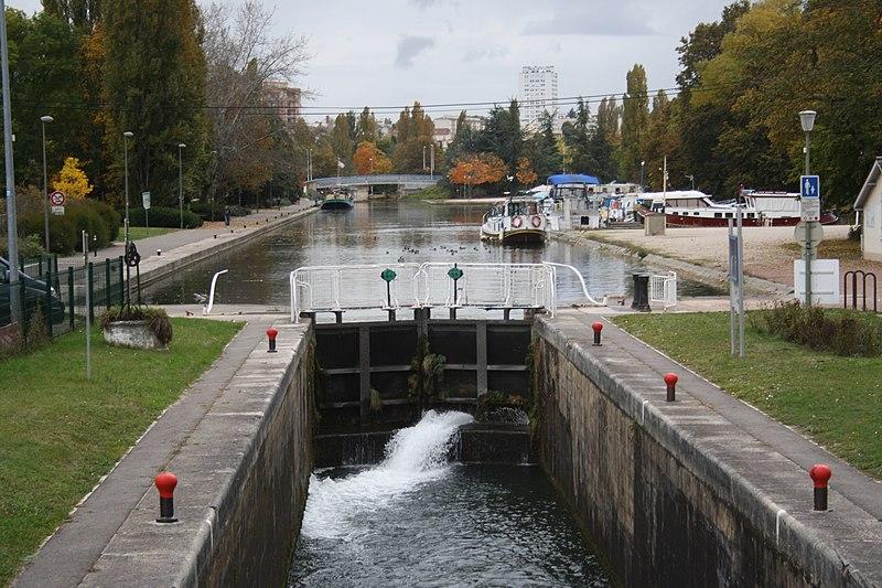 File:Canal de Bourgogne Dijon IMG 8387.jpg