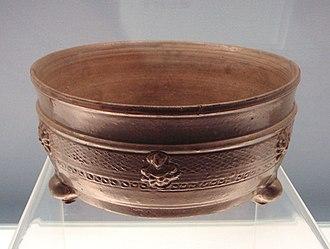 Proto-celadon - Image: Celadon Lian bowl with Buddhist figures Western Jin 265 317CE