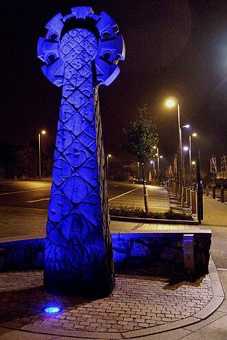 Redruth - Celtic wooden cross in New Cut Car Park