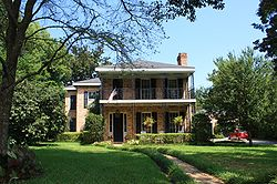 Center-Gaillard House 02.jpg