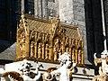 Châsse de sainte Waudru de Mons sur le Car d'Or.jpg