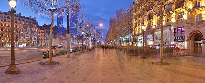 700px-Champs_Elysees_Paris_Wikimedia_Commons.jpg