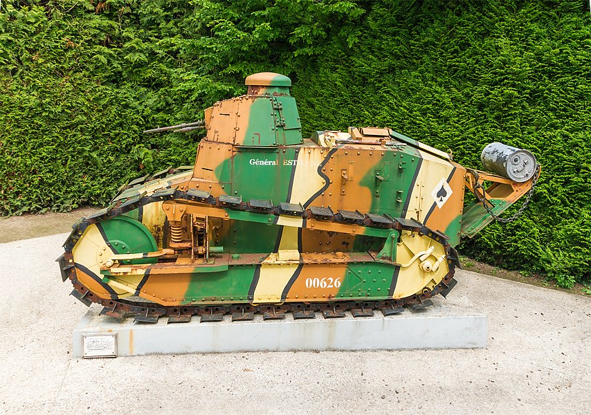 RENAULT FT17 tank (1918), in front of the entrance of the Armistice museum in Rethondes/Compiègne, Oise, France.