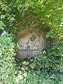 Clairfayts (Nord, Fr) chapelle (ancienne calvaire) rue du Cromboulie.jpg