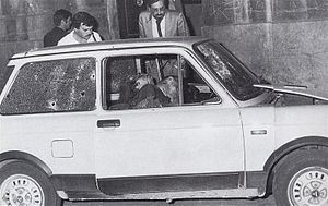 Carlo Alberto Dalla Chiesa - The slain bodies of Carlo Alberto Dalla Chiesa, his wife Emanuela Setti Carraro and the agent Domenico Russo in the car