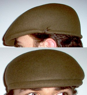 Ascot cap - Image: Dark Green Ascot Cap On Head