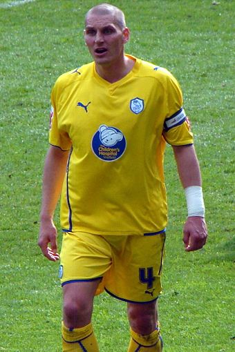 Purse in Sheffield Wednesday colours in the match against Cardiff City in April 2010 Darren Purse.jpg