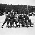 Davos. Hollandse schaatsploeg Olsthoorn, Maarse, Broekman, Huiskes en van der V, Bestanddeelnr 905-5054.jpg