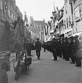 De prins inspecteert de erewacht van de Binnenlandse Strijdkrachten in de Langes, Bestanddeelnr 900-4732.jpg