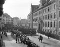 Defilierende Kavallerie am Petersgraben - CH-BAR - 3237359.tif