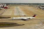 Delta N904DN McDonnell-Douglas MD90 (28537077833).jpg