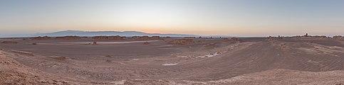 Desierto de Lut, Irán, 2016-09-22, DD 50-64 HDR PAN.jpg