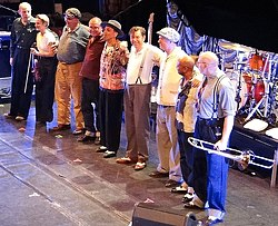 i Dexys sul palco del Cambridge Corn Exchange nel 2012