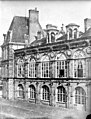 Domaine national, château - Façade sur la cour ovale - Fontainebleau - Médiathèque de l'architecture et du patrimoine - APMH00016397.jpg