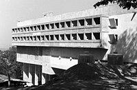 Domonkos kolostor (Couvent Sainte-Marie de La Tourette). Építészek- Le Corbusier, Iannis Xenakis, André Wogenscky és Pierre Jeanneret. Fortepan 58029.jpg