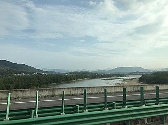 Yingshan County, Hubei - Image: Donghe River near Yangliuwan, Yingshan, Huanggang