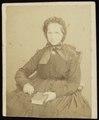 Dupont, Joseph - carte de visite, Portret van een oude vrouw, gezeten.tif