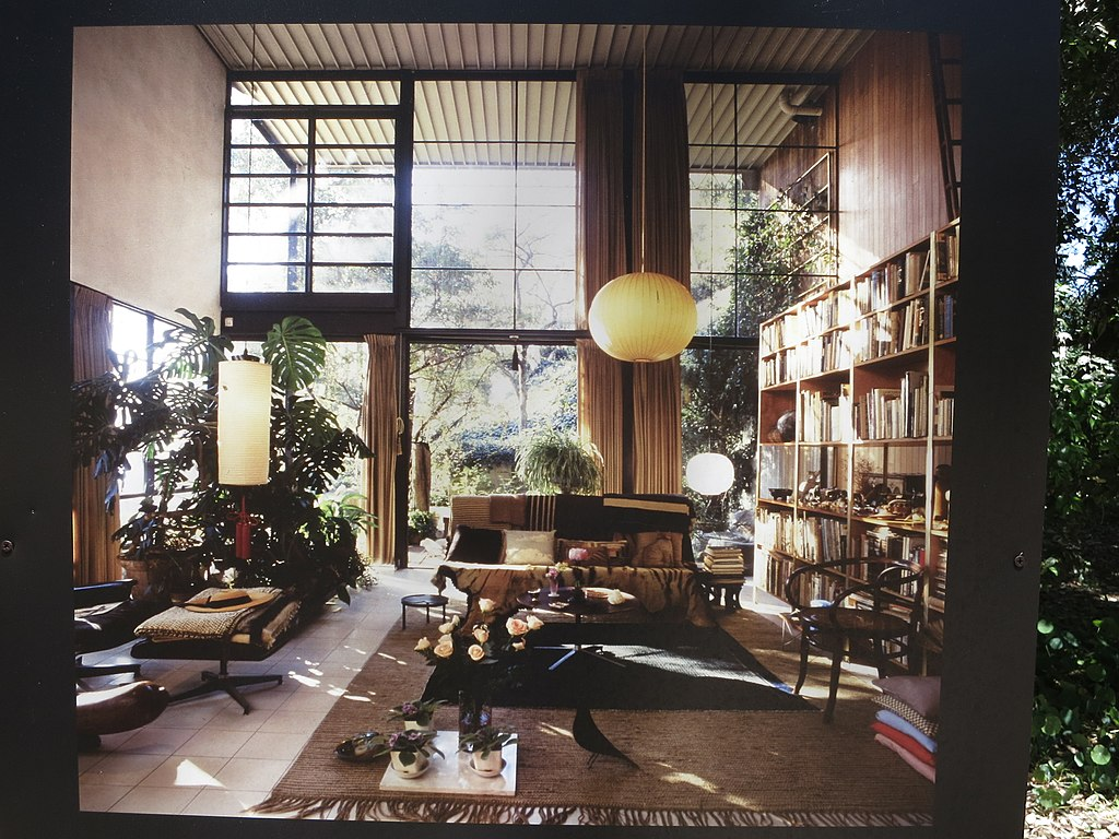 File eames house wikimedia commons for Interior design wikipedia