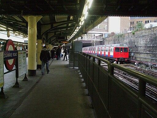Edgware Road stn (Circle) platform 4 look east