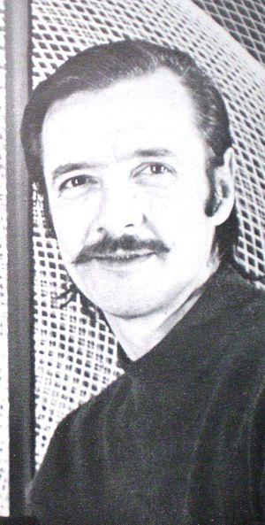 Eduardo Mac Entyre - Artist Eduardo Mac Entyre and one of his helixes, c. 1980.