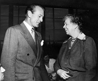 Lake Success, New York - Gary Cooper and Eleanor Roosevelt at the temporary UN headquarters in Lake Success, 1950