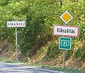 Eloszallas Hungary road signs.JPG